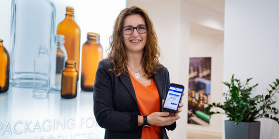 Doris Marka Stoelzle Oberglas - LOLYO Mitarbeiter-App
