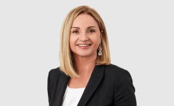 Frau Christine Gül, Head of HR der Gebäudereinigung Schmid. Saubere Arbeit. Klare Lösung GmbH